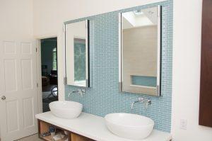 Tiling Contractor for bathroom backsplash